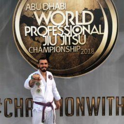 Policial de Barra do Garças conquista duas medalhas em campeonato Jiu-Jitsu nos Emirados Árabe